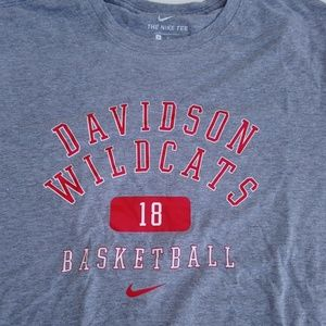 Davidson Wildcats Nike Men's Medium T-shirt
